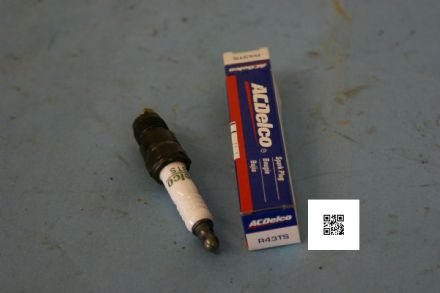 1991-1997 Ford & 1991-1995 Camaro AC Delco Spark Plugs, R43TS, New In Box
